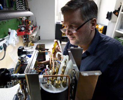 Philip in der Werkstatt